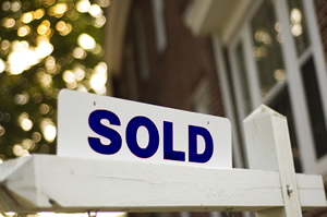 06b_Sold Sign
