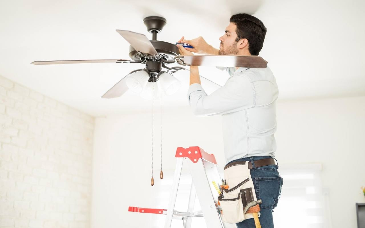 Ceiling fans should go clockwise in the fall